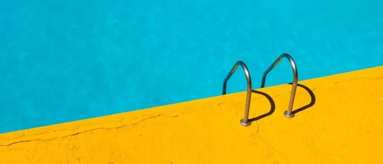 mantener una piscina